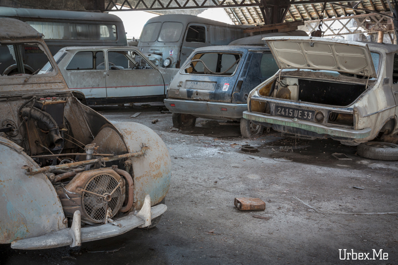 Le garage des 70 s urbex me reportages exploration urbaine for Garage renault furnes belgique